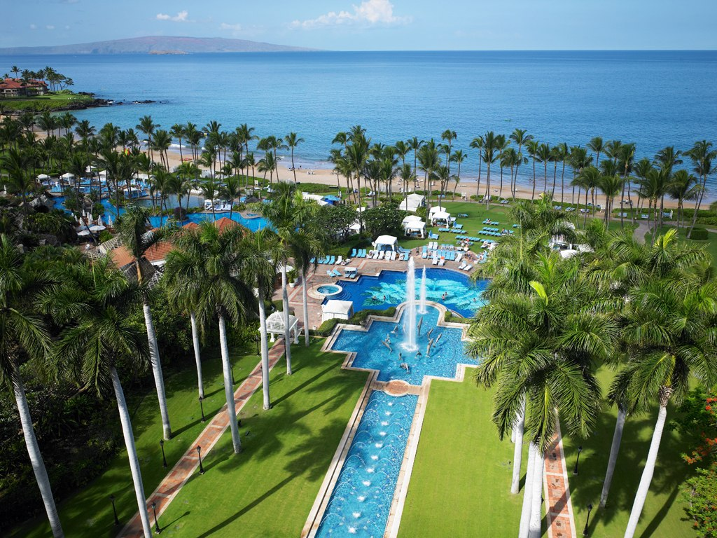 Maui island tourist destinations for Nicest hotels in maui