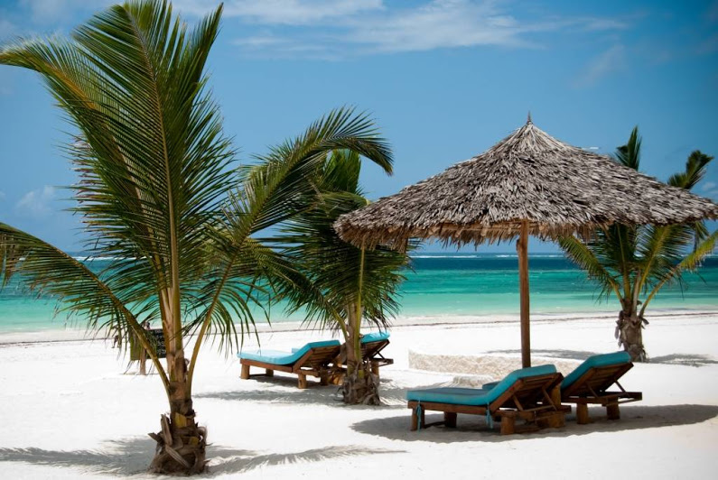 Diani beach kenya tourist destinations for Small luxury beach hotels