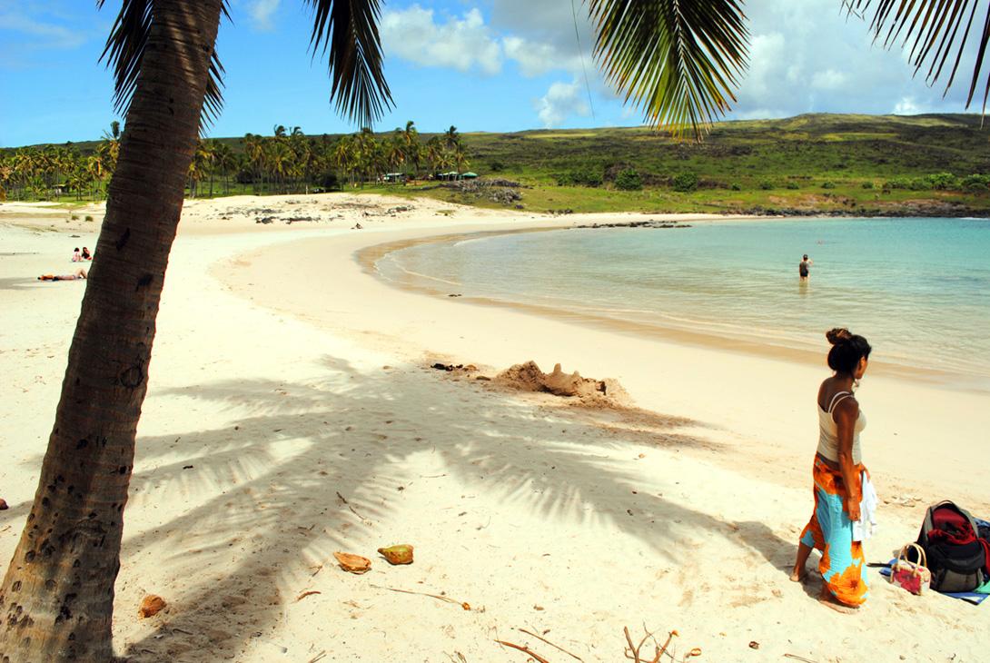 rapa-nui-woman-at-anakena-beach