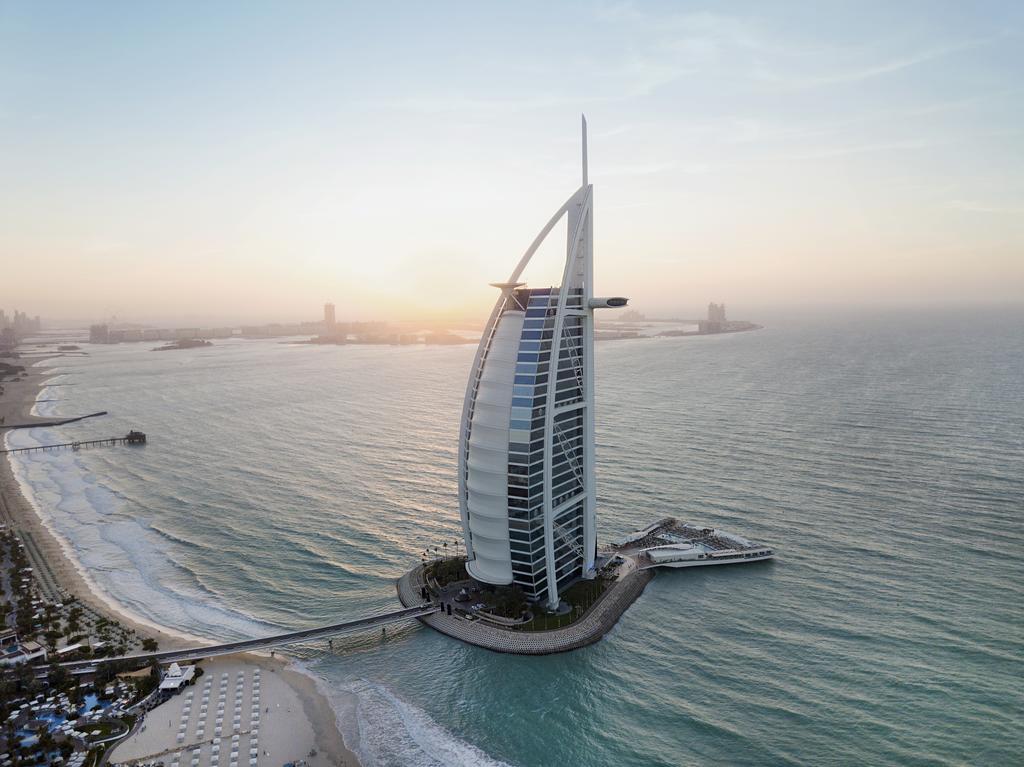 Jumerirah, UAE - Tourist Destinations