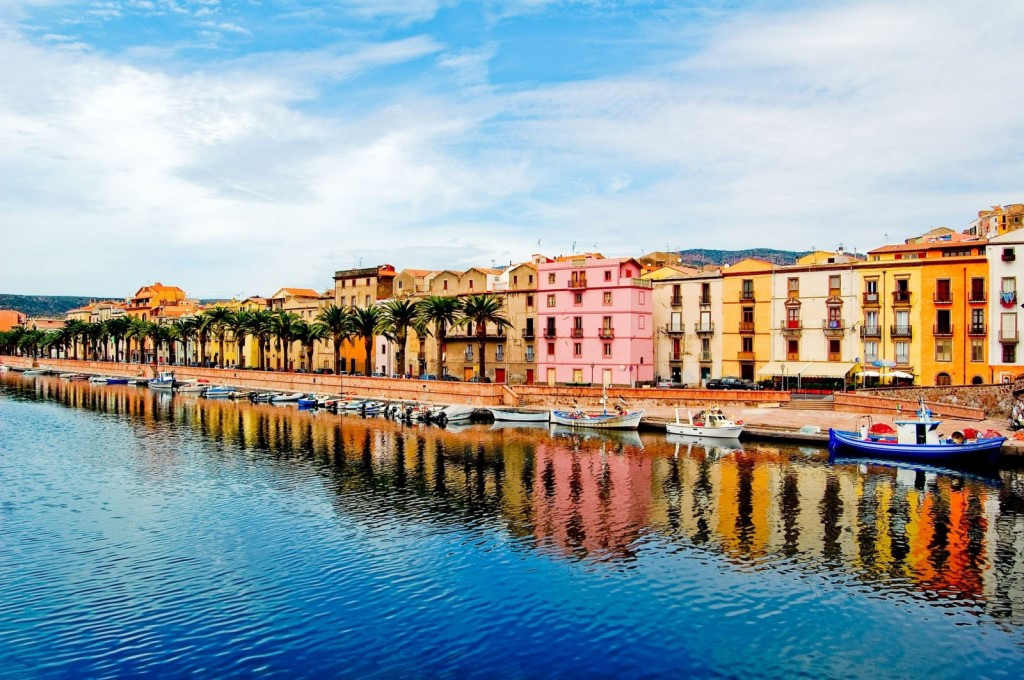 houses-in-a-sardinian-town-bosa-in-italy