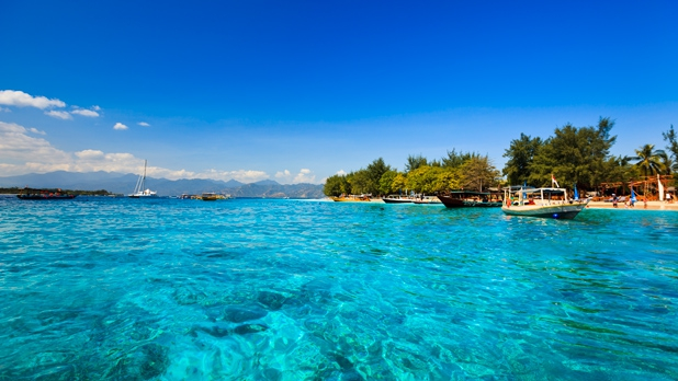 island-hopping-at-the-gilis