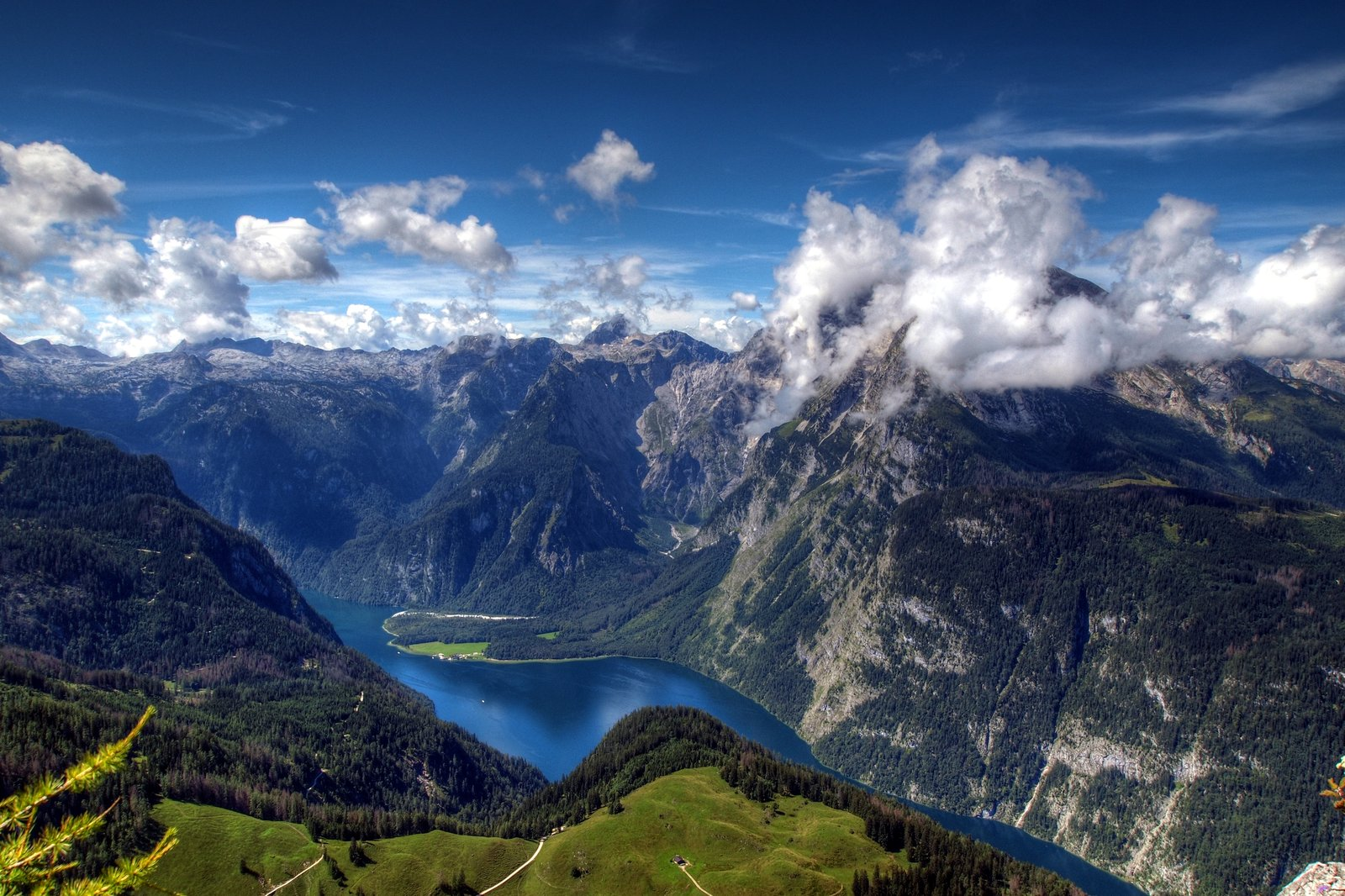 summer_in_the_alps_by_burtn-d45nirl