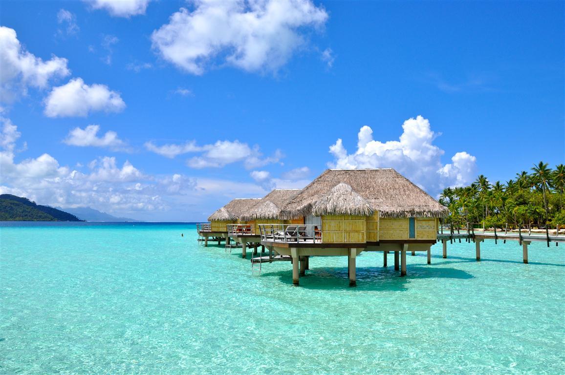 tahaa-overwater-bungalow-Gili Islands