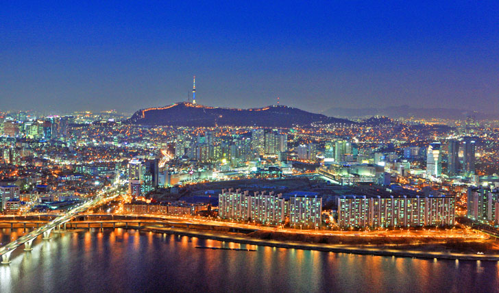 Seoul-at-night-South-Korea