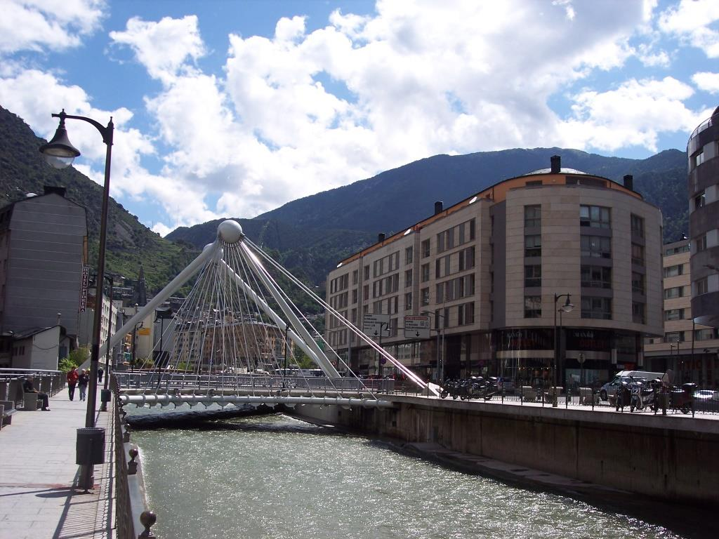 Bridge_in_Andorra_la_Vella,_Andorra
