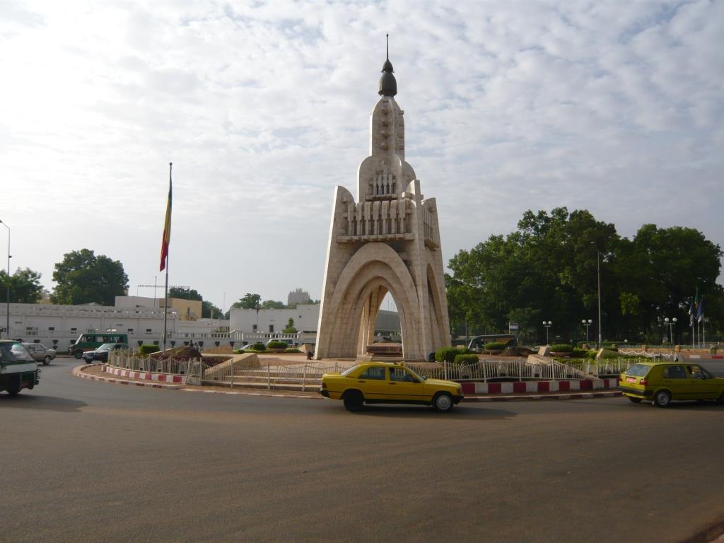 Monument_de_l'indépendance_-_Bamako