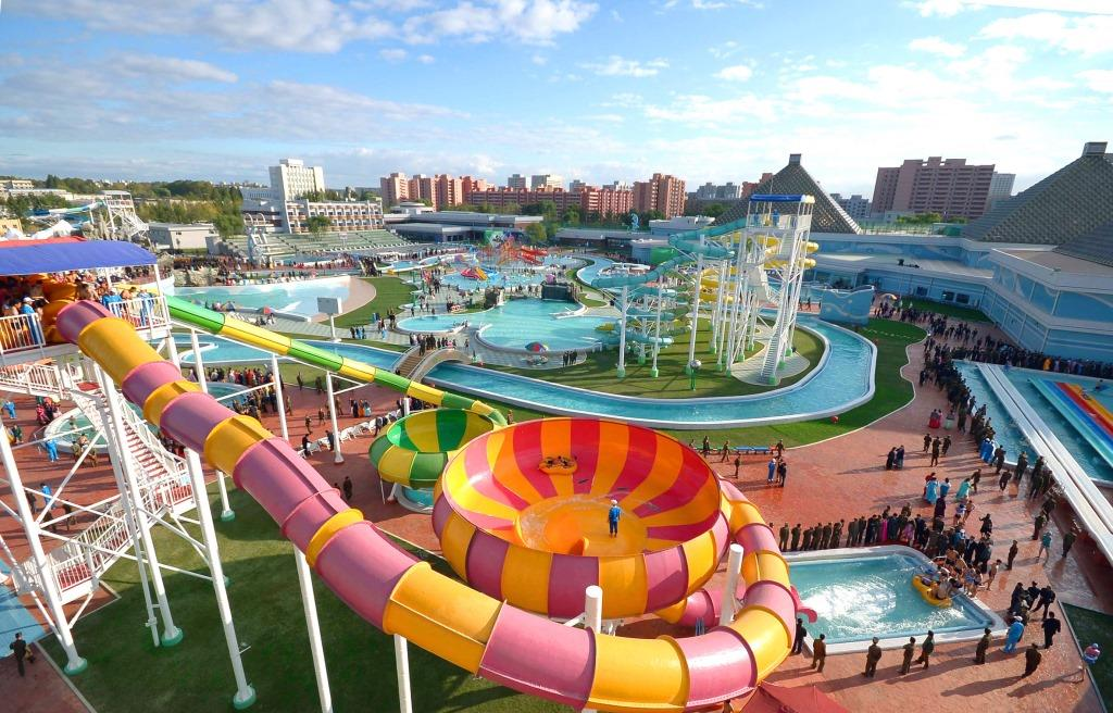 Munsu_Water_Park_-_Pyongyang,_North_Korea