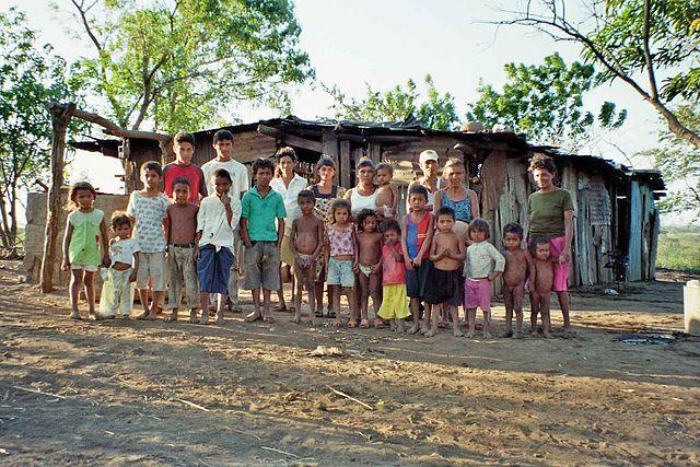 640px-Familie_in_Los_Cedros,_Managua,_Nicaragua