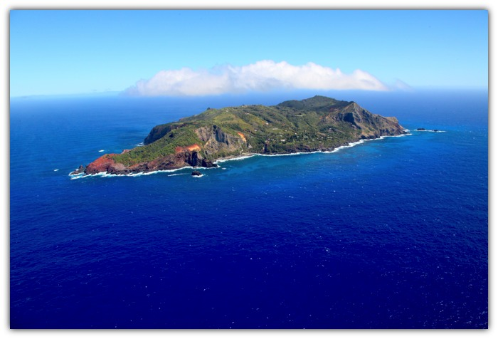 Pitcairn_ariel_photo