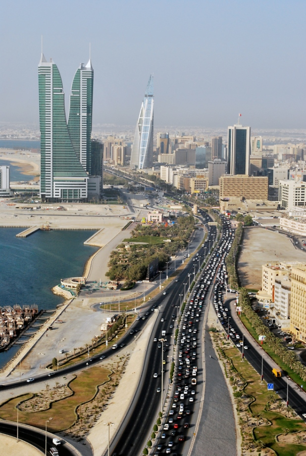 Road_and_towers_in_Manama