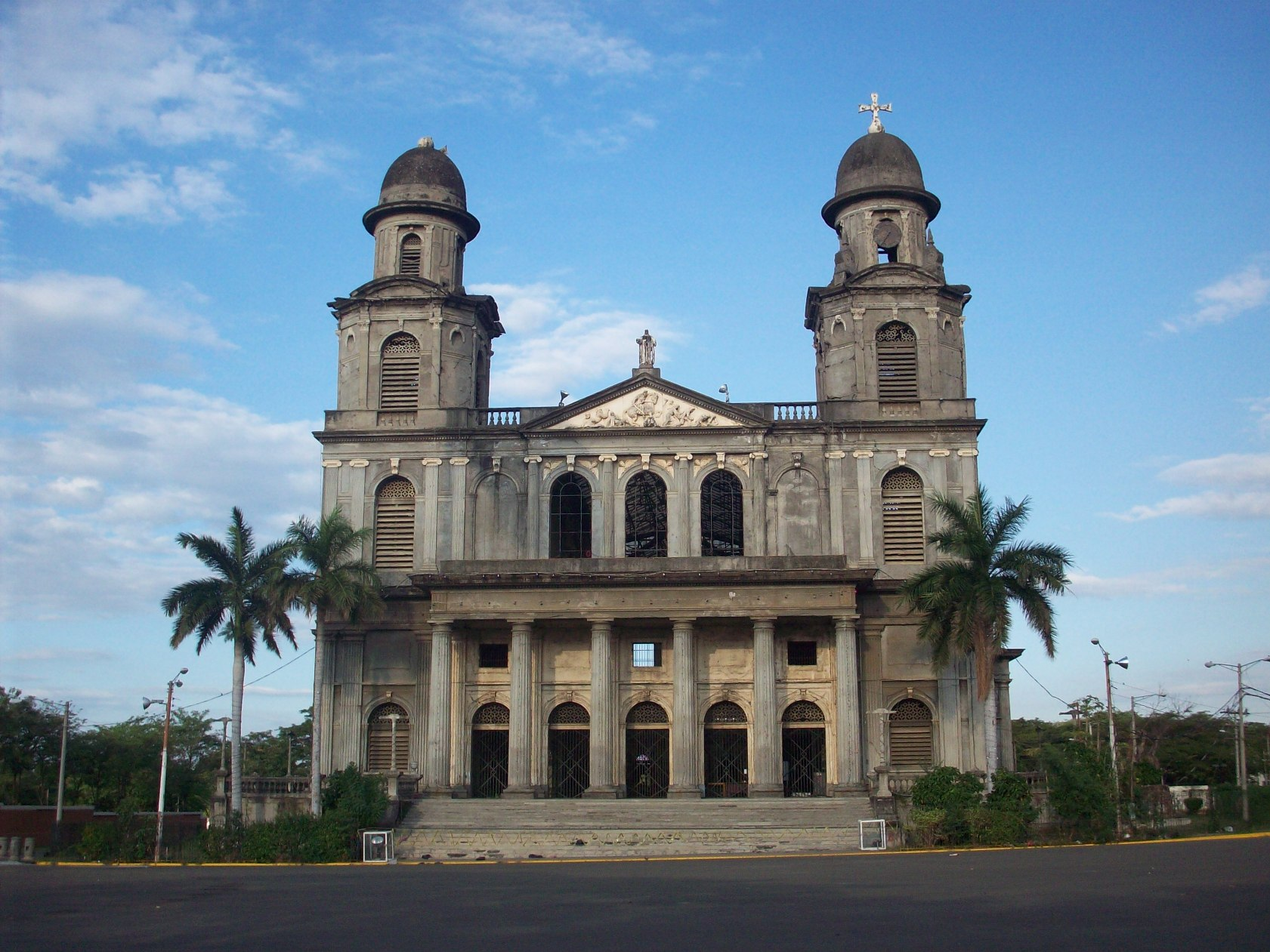 old_Cathedral_of_Managua