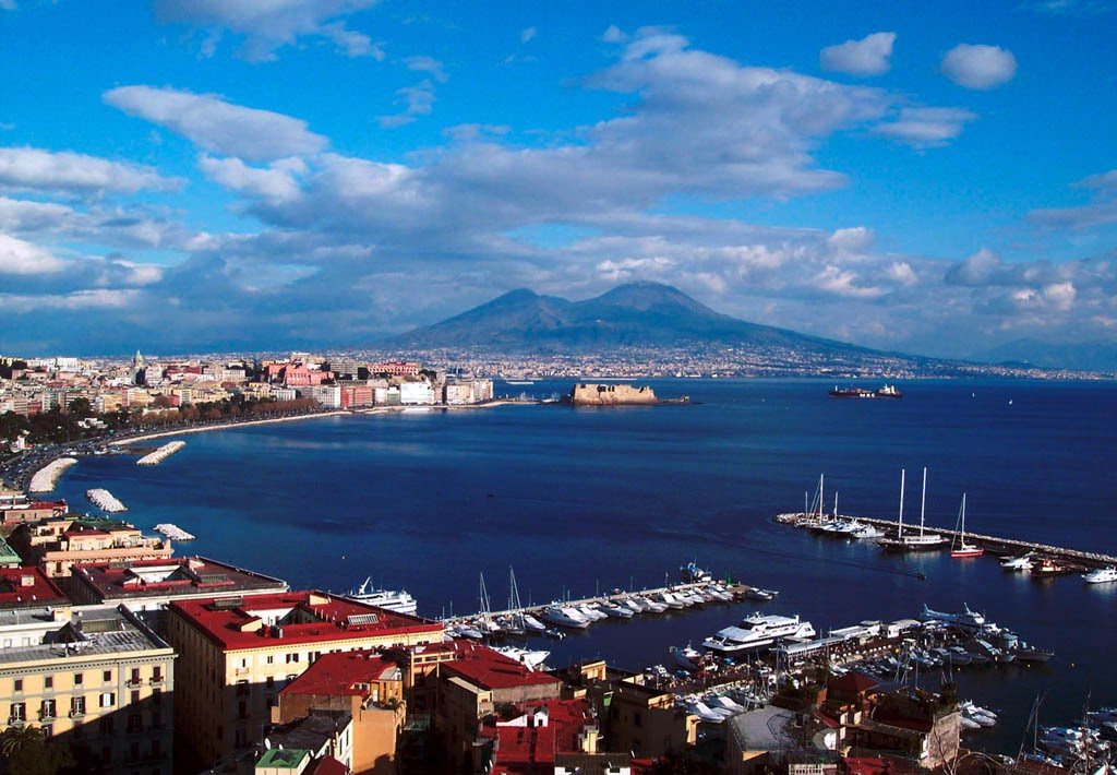 Naples italy tourist destinations for Best italian vacation spots