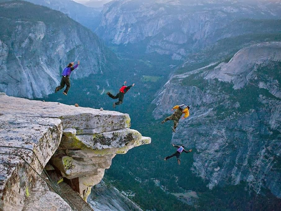 Base-Jumping-at-Yosemite-National-Park1