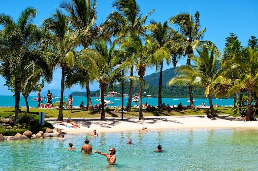 airlie beach australia tourist destinations. Black Bedroom Furniture Sets. Home Design Ideas