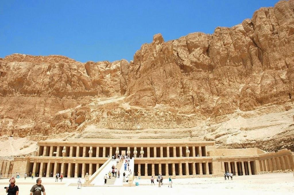 Karnak-Temple-In-Egypt-21