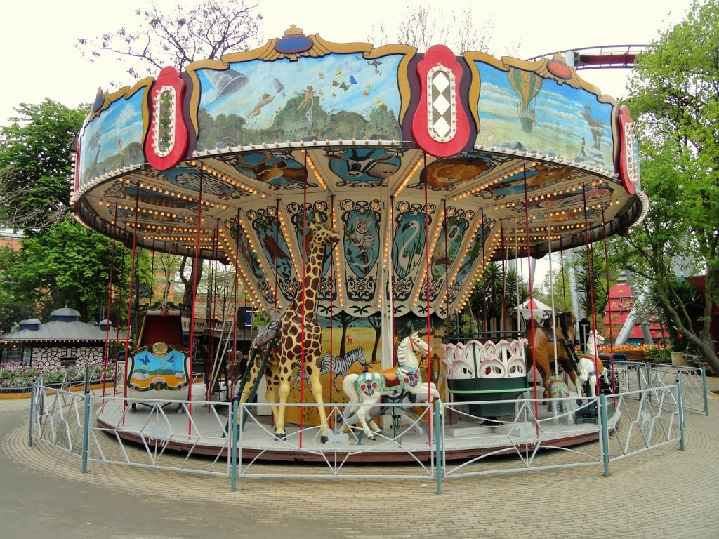 Carousel_-_Tivoli_Gardens_-Copenhagen-_-_DSC08378