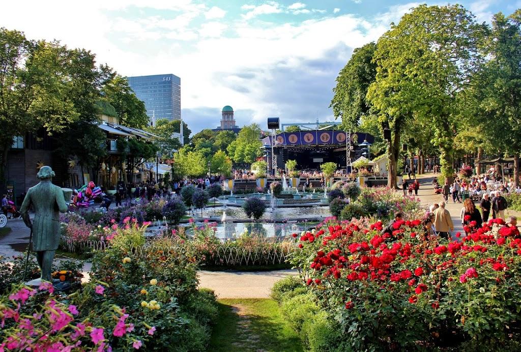 inside_tivoli_gardens