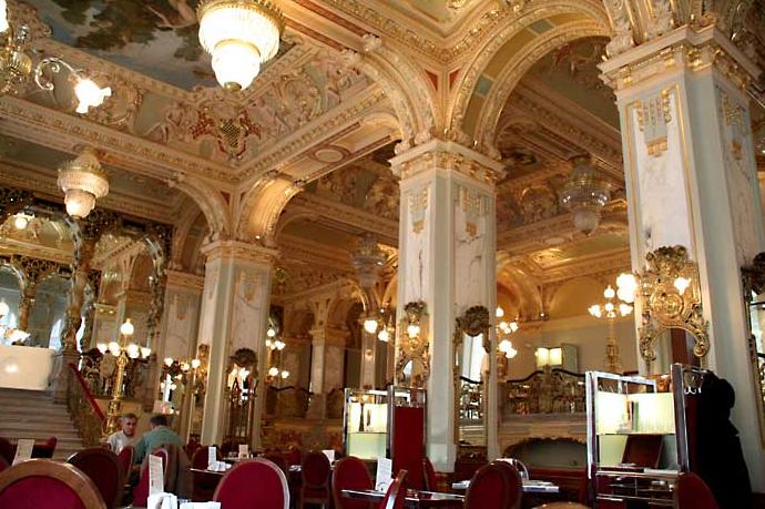 Cafe-New-York-interior-of-New-York-Palace-Boscolo-Hotel-Budapest-Hungary