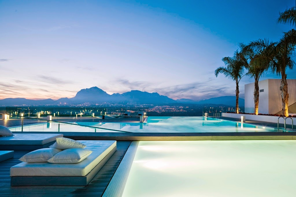 Top 5 rooftop pools in the world tourist destinations - Hotel sha wellness clinic ...