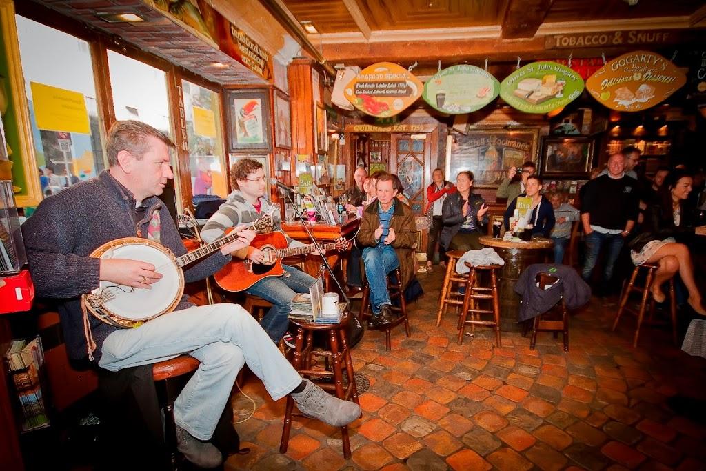 Dublin ireland experience dublin on st patty s day for Bar food dublin 2