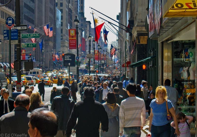 Top-5-Best-Shopping-Streets-2B-fifth-avenue_new_york_city