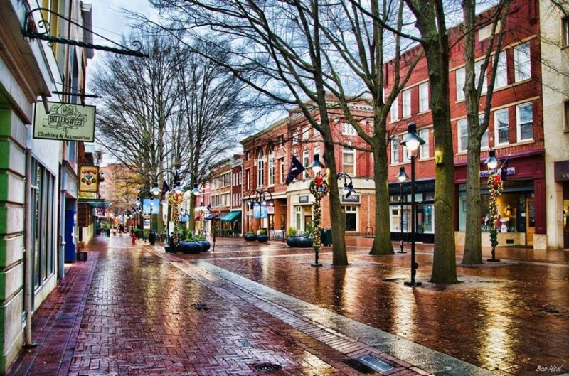 Charlottesville usa tourist destinations for Best small cities to live in colorado