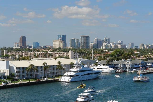 Fort_Lauderdale-skyline-harbor