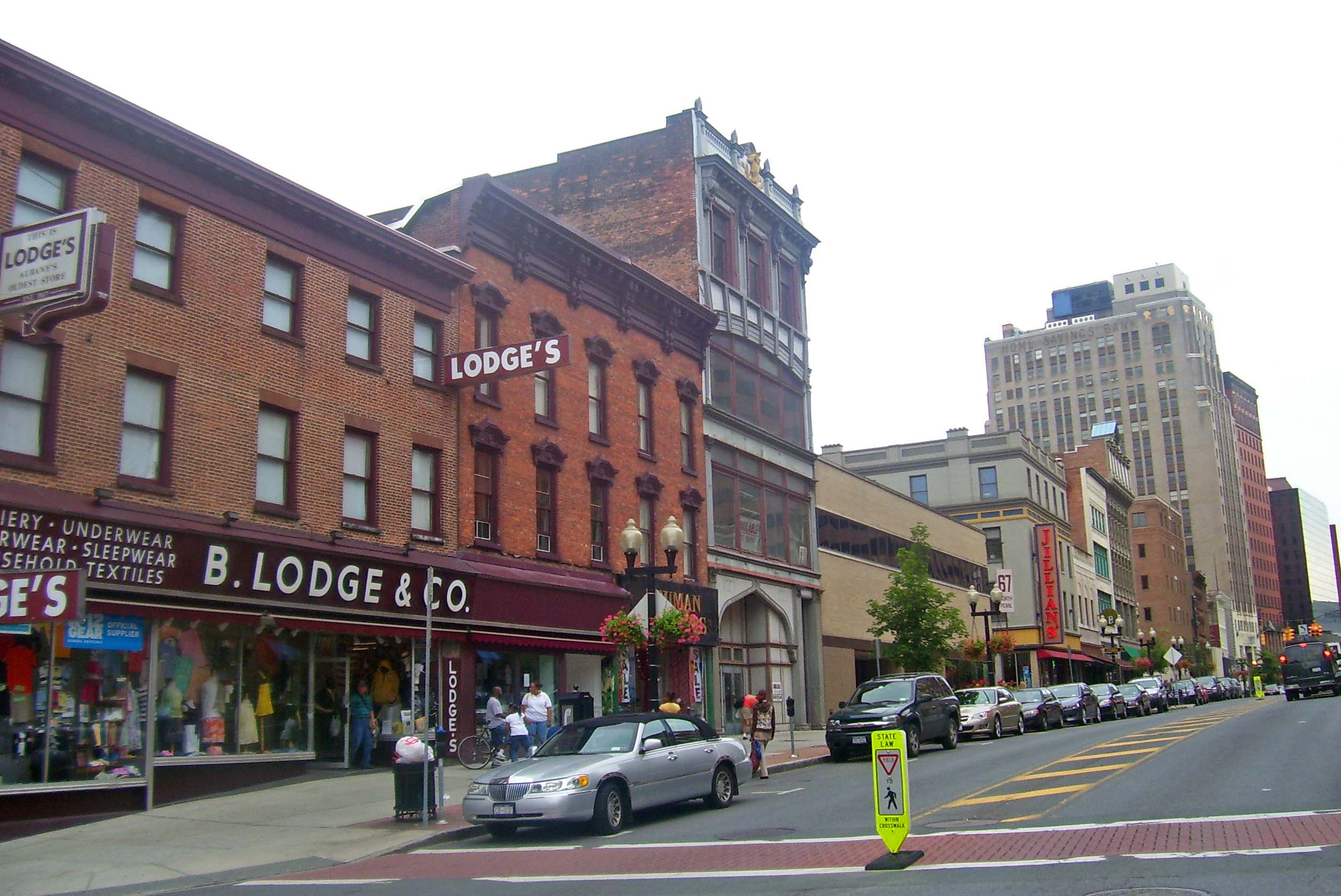 North_Pearl_Street_from_Steuben_Street,_downtown_Albany,_NY