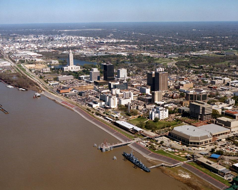 Baton_Rouge_Louisiana_waterfront_aerial_view