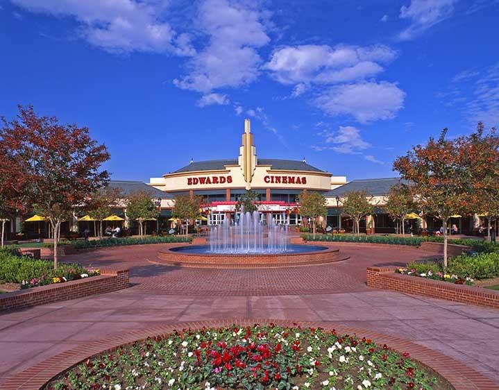 Edwards Cinema in The Marketplace, Bakersfield, California