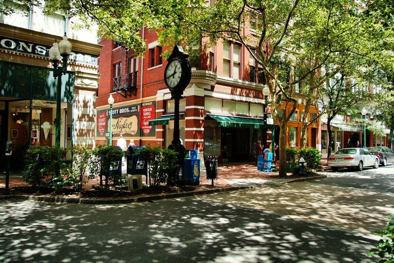 Capitol Street Charleston, WV