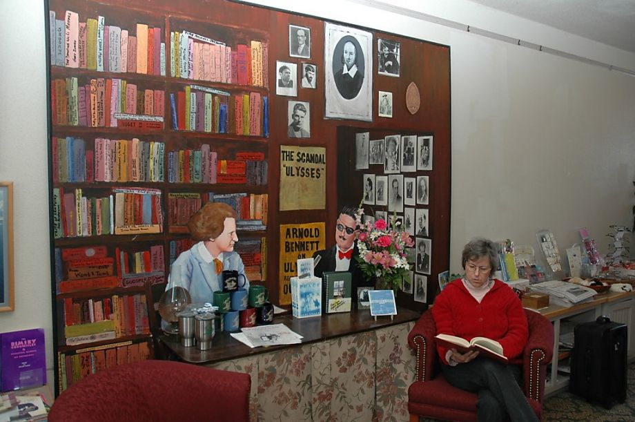 Sylvia Beach Hotel, Oregon hotel for book lovers